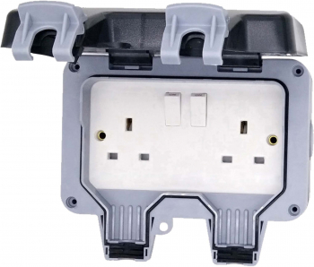 2 GANG 13AMP DOUBLE POLE IP66 SWITCHED WEATHERPROOF SOCKET